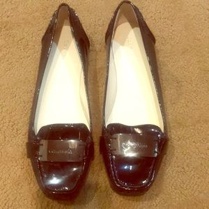 CALVIN KLEIN flat size 8 shoes with silver CK band